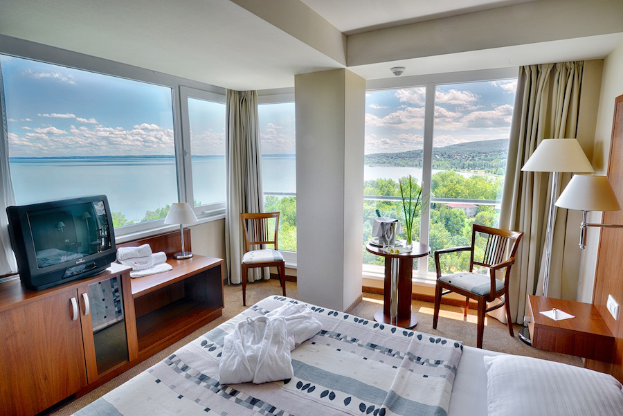 bal_resort_balatonalmadi_junior_suite.jpg